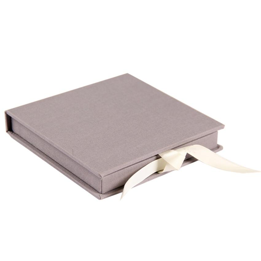 Gift Box Wedding Invitations: Wedding Invitation Gift Box With Ribbon Closure